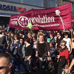 Der Care Revolution-Block bei der Frauenkampftags-Demo dieses Jahr am 8.   März in Berlin. Foto: Antje Schrupp