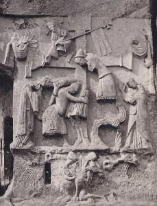 Das Kreuzabnahme-Relief an den Externsteinen.